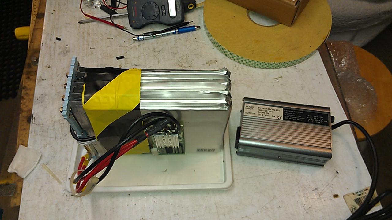 Projet Batterie 24 Volt de remplacement pour Quadriporteur NON-SLA IMAG0098